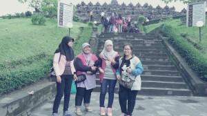 Ini di Candi Borobudur. Masih dalam rangka tour sekolah.